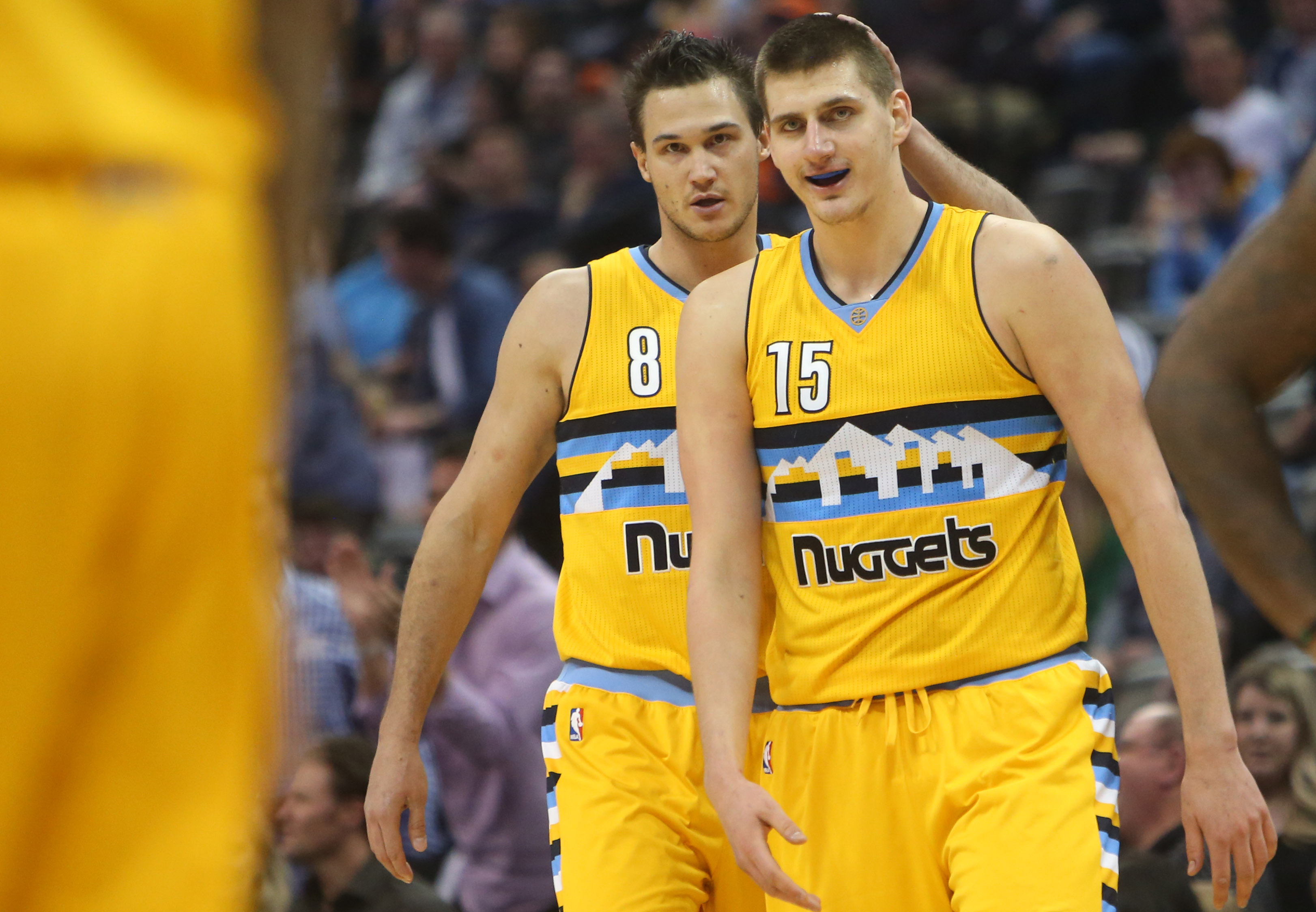 Jokic, Barton lead high-flying Nuggets to fourth straight win